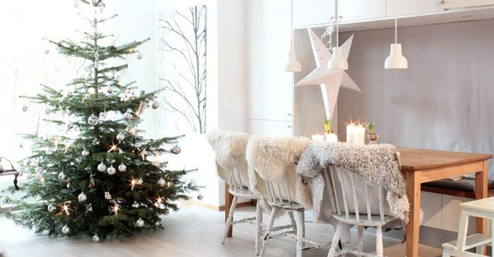 How to Style a Festive Dining Table