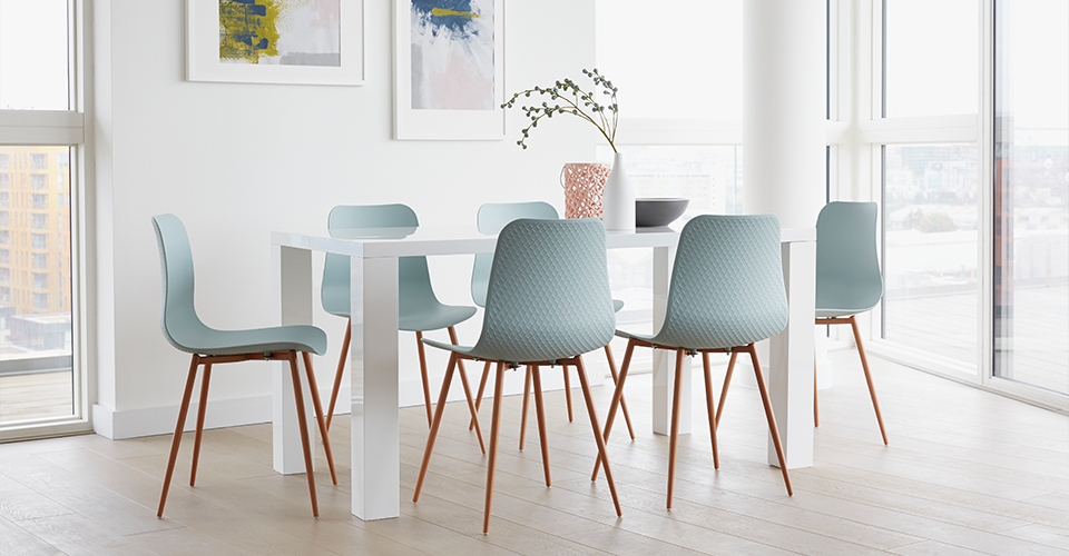Out & Out Trends: Take 4 seating styles...